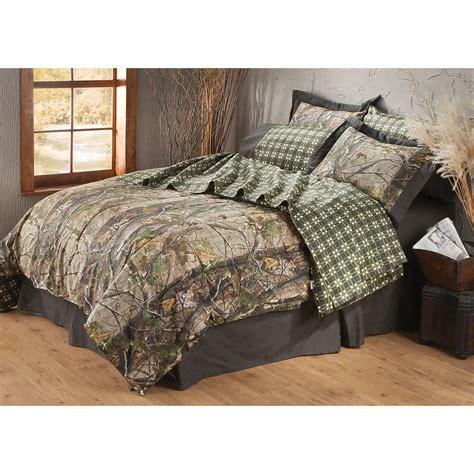 realtree camo bedding set realtree 174 apg hd camo complete bedding set 163809