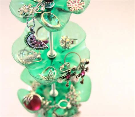 make your own jewelry holder make your own jewelry stand luuux diy crafts