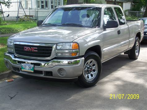 how to learn about cars 2006 gmc sierra 3500hd navigation system 2006 gmc sierra 1500 information and photos momentcar