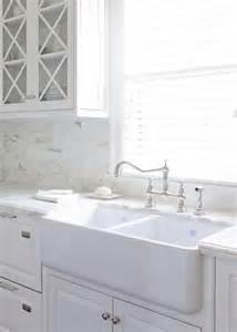 dove white kitchen cabinets white shaker cabinets painted benjamin white dove