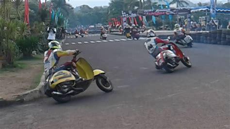 Modifikasi Vespa Di Bandung by Road Race Vespa Brigif With Var Avr Racing Team Bandung