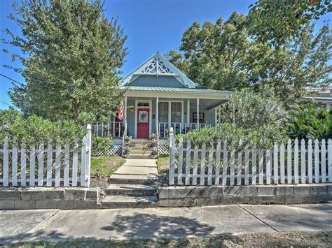 gulfport house rentals classic 3br gulfport house w porch swing vrbo