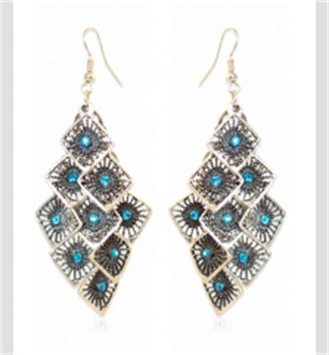 buy for jewelry fashionzine buying tips which type of jewelry will suit