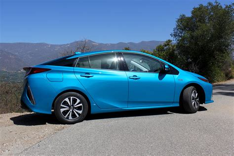 Electric Hybrid Cars by Toyota Simultaneously Focusing On Hybrids And Battery