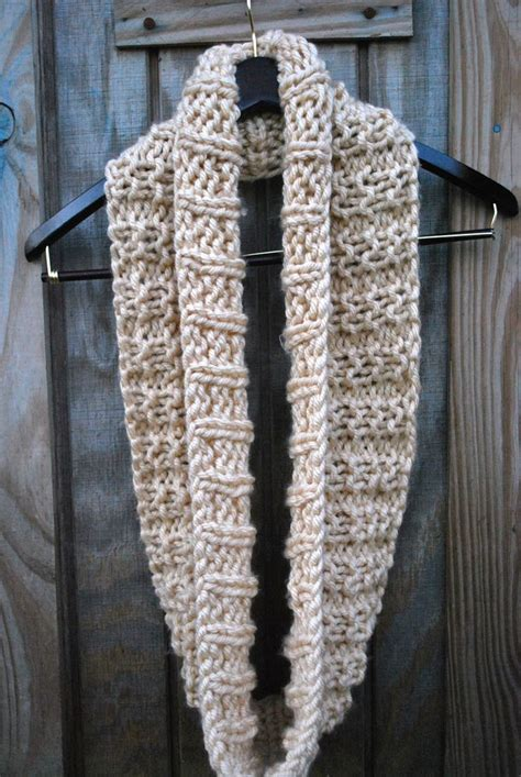 infinity scarf knitting pattern circular needles 78 best ideas about bulky yarn on easy