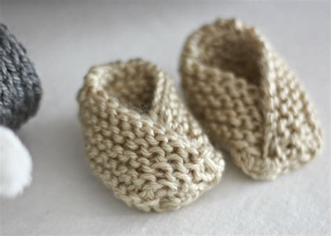 easy things to knit for beginners 27 beginner knitting and crochet tutorials