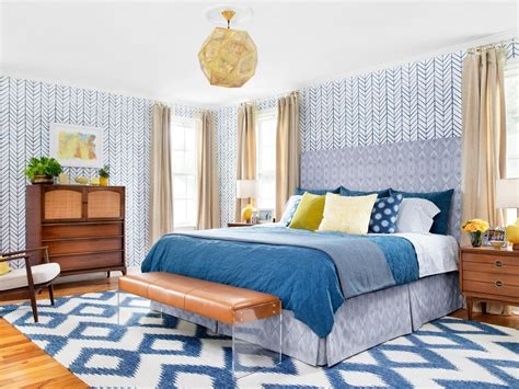 Hgtv Bedroom Makeover From Bland To Bold Before And After Bedroom Makeover Hgtv