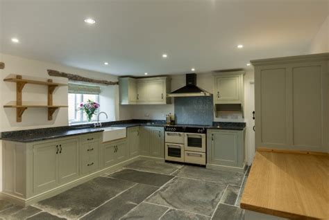 kitchen design cornwall bespoke kitchens cornwall painted kitchen shaker style