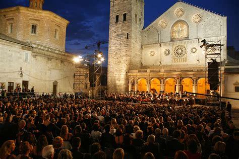 festival italy spoleto festival opens italy magazine