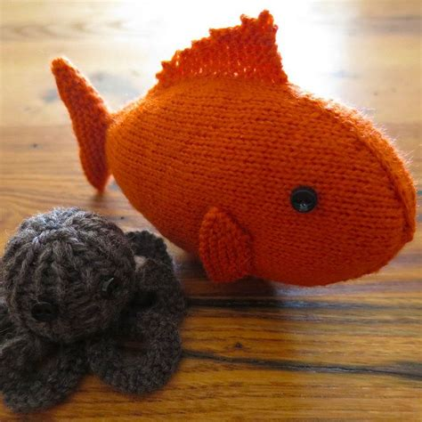 free fish knitting patterns 85 best images about yarn toys on free pattern