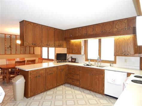 1970s kitchen cabinets need ideas for 1970 s oak kitchen cabinet update