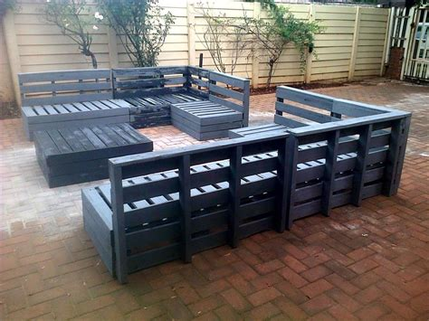 wooden pallet patio furniture superb pallet patio furniture set 101 pallets