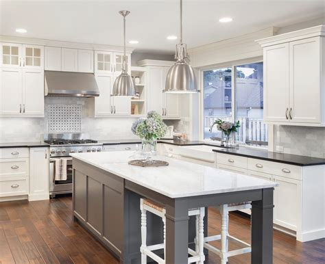 classic white shaker kitchen cabinets shaker antique white cabinets lifedesign home