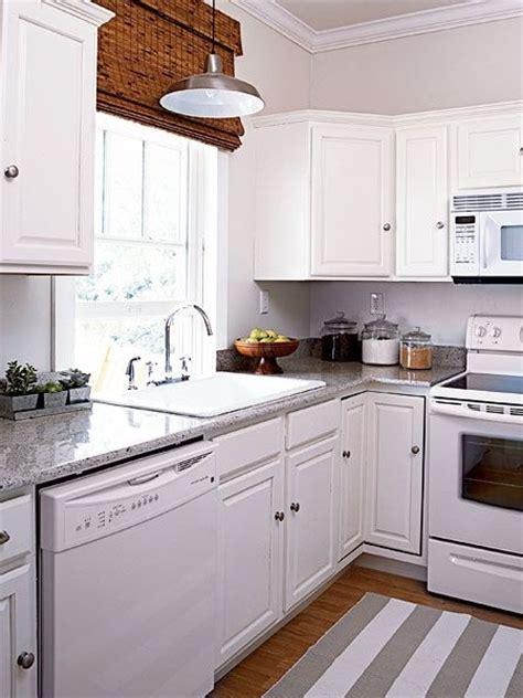 Kitchen Ideas With White Appliances by White Kitchen Cabinets And White Appliances
