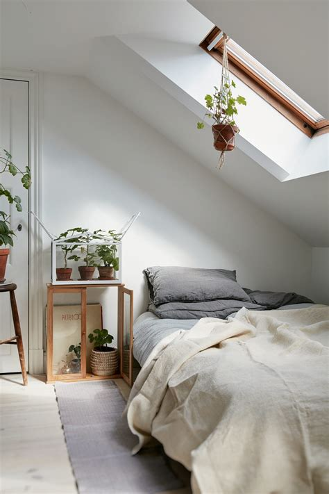 minimalist rooms 40 minimalist bedroom ideas less is more homelovr