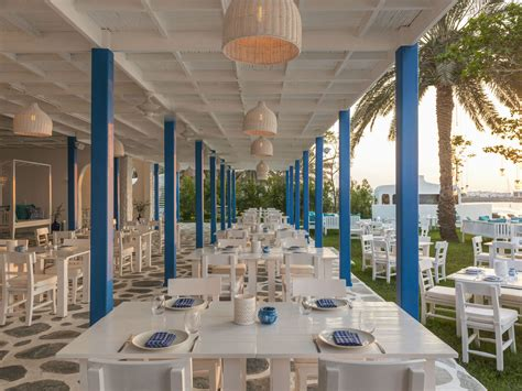 restaurants and bars le meridien mina seyahi resort marina restaurants in dubai