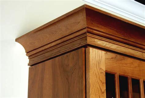 installing kitchen cabinet crown molding crown molding kitchen cabinets installing crown molding