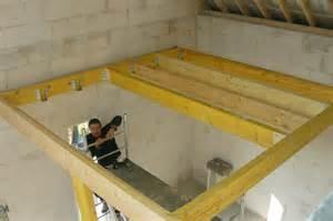 plancher bois pour la mezzanine au dessus de la cuisine autoconstructionsaffre s