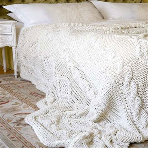 knitted bed throw pattern home dzine craft ideas knit a cable bed throw or blanket