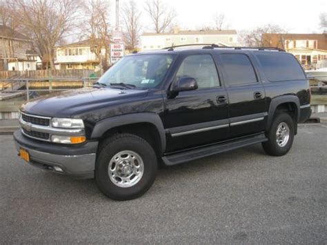 how to fix cars 2004 chevrolet suburban 2500 user handbook find used 2004 chevrolet suburban 2500 lt 8 1l leather dvd sunroof 4x4 big block 3 4 ton in