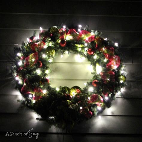 how to make a large lighted outdoor wreath