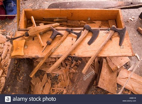 traditional woodwork the simple traditional woodworking tools used by the