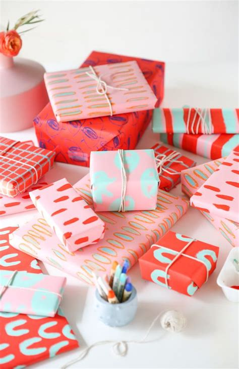 a creative way to wrap a gift card diy gift wrap for