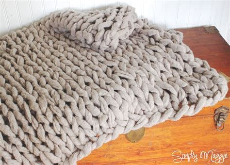 how to finger knit a blanket 25 best ideas about arm knit blankets on arm