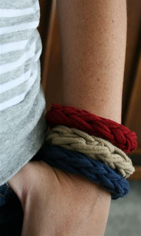 knitting on fingers finger knit bracelet