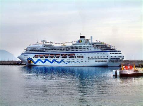 cruceros con salida desde tenerife islas volc 225 nicas un crucero por las islas del atl 225 ntico