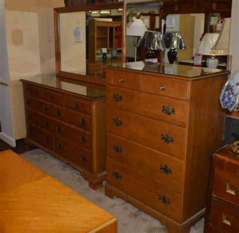 ethan allen furniture bedroom solid maple ethan allen bedroom furniture treasure chest