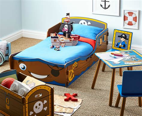 pirate themed bedroom ideas pirate themed bedroom ideas for toddlers with from lou