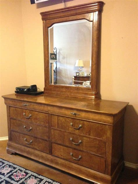 fruitwood bedroom furniture 5 pc national mt airy fruitwood bedroom set