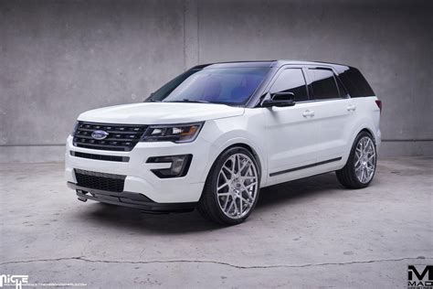 Ford Explorer Rims by Cruising In Style With The Ford Explorer And Niche Wheels