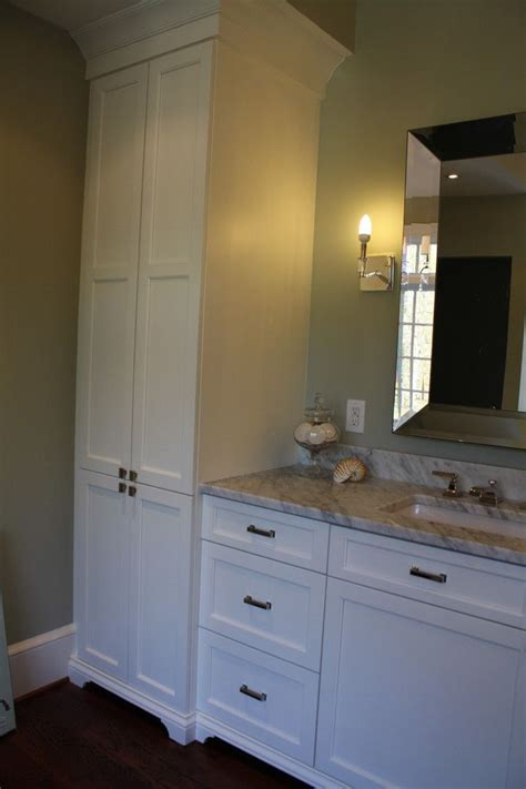 Best Bathroom Cabinets by Best 25 Bathroom Linen Cabinet Ideas On