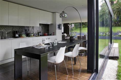 cuisine salle 224 manger ouverte sur le jardin colboc franzen associ 233 s