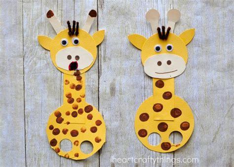 giraffe craft for adorable giraffe finger puppet craft i crafty things