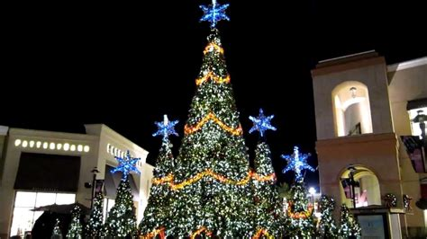 wiregrass mall light show images of wiregrass lights show tree