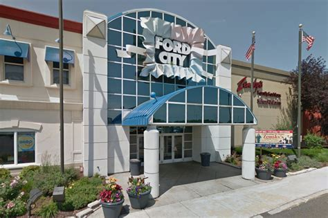 Ford City by Stabbed In At Ford City Mall Say West