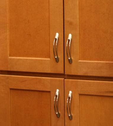 hardware for kitchen cabinets and drawers choosing kitchen cabinet hardware lovetoknow
