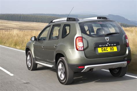 dacia duster 2015 images carbuyer