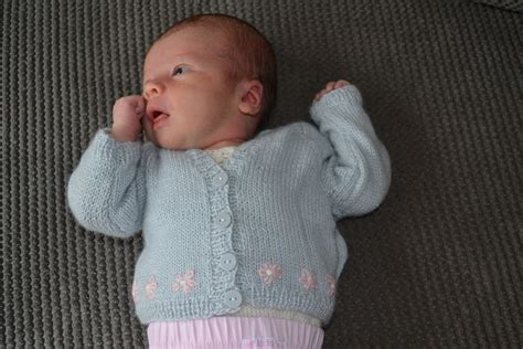 sirdar baby knitting patterns free free knitting patterns for babies cardigans 4 ply