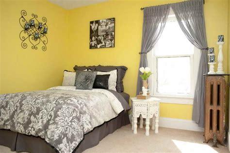 yellow walls in bedroom ideas guest room decorating with yellow walls guest room