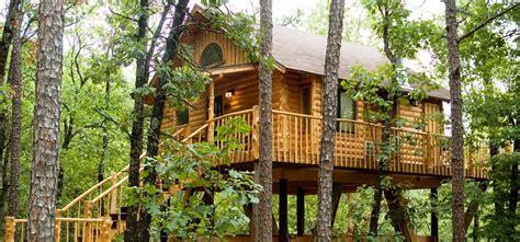 treehouses in eureka springs arkansas treehouse cottages