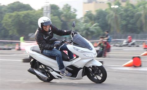 Pcx 2018 Spek by Honda Pcx 150 2018 Spek Indo Rm 7 9k Dan Yang Ini Guna