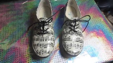 decoupage canvas shoes how to decoupage sneakers notes