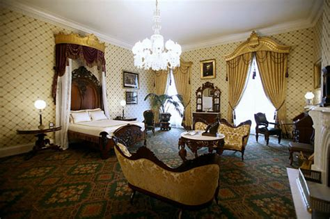white house master bedroom kee hua chee live abraham lincoln s haunted bedroom in