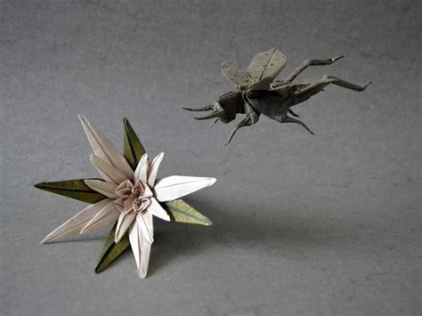 origami grasshopper i c ant believe how complex and realistic these origami insects look