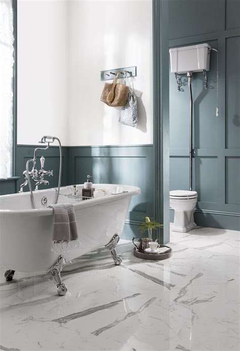 Big Bathrooms Ideas by 25 Best Ideas About Bathroom Paneling On