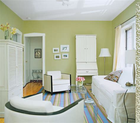 decorating ideas for small living rooms on a budget trick a small space into feeling bigger living room
